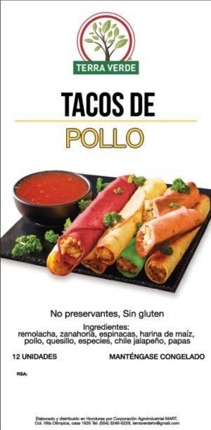 Tacos de pollo, rojo por remolacha, verde por la espinaca y anaranjado  por la zanahoria